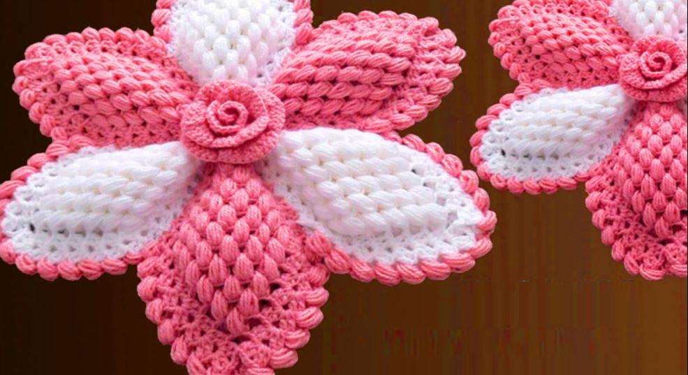 Giant 3D flower walkthrough in crochet