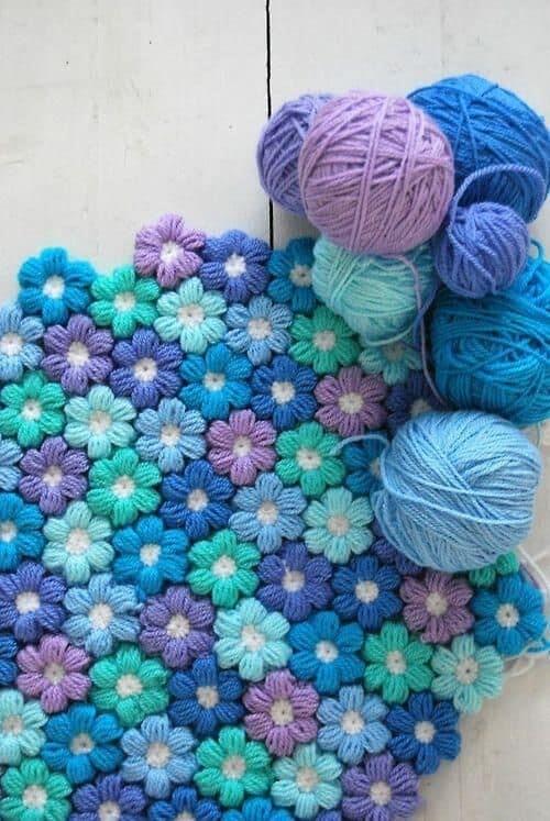 Carpet tutorial in floral crochet